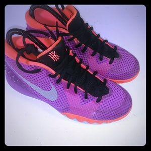 Nike Kyrie 1 (Gs) Berry Metallic